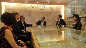 Freitag meets with Chinese Taipei Olympic Committee President
